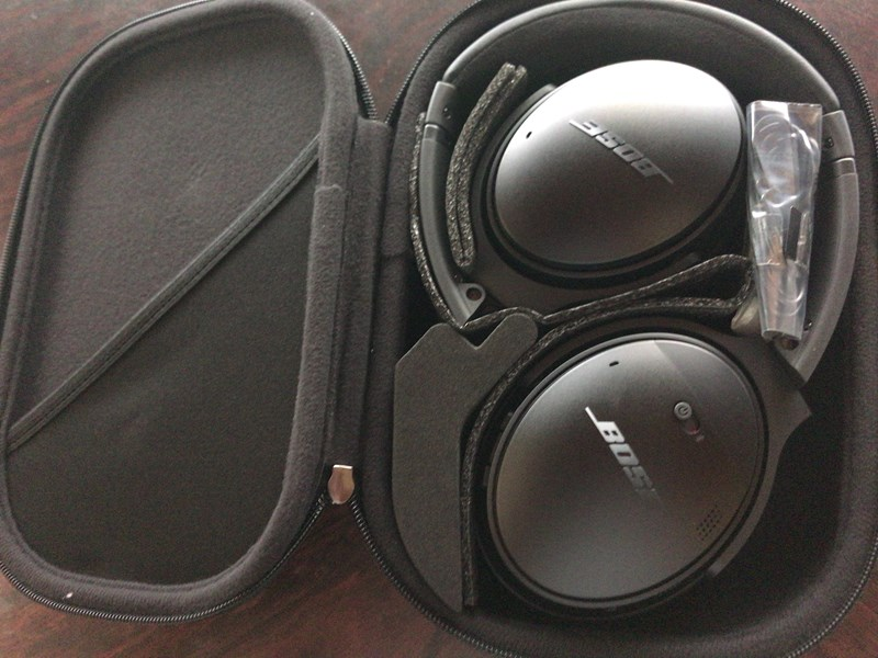 BOSE QUIETCOMFORT35 箱