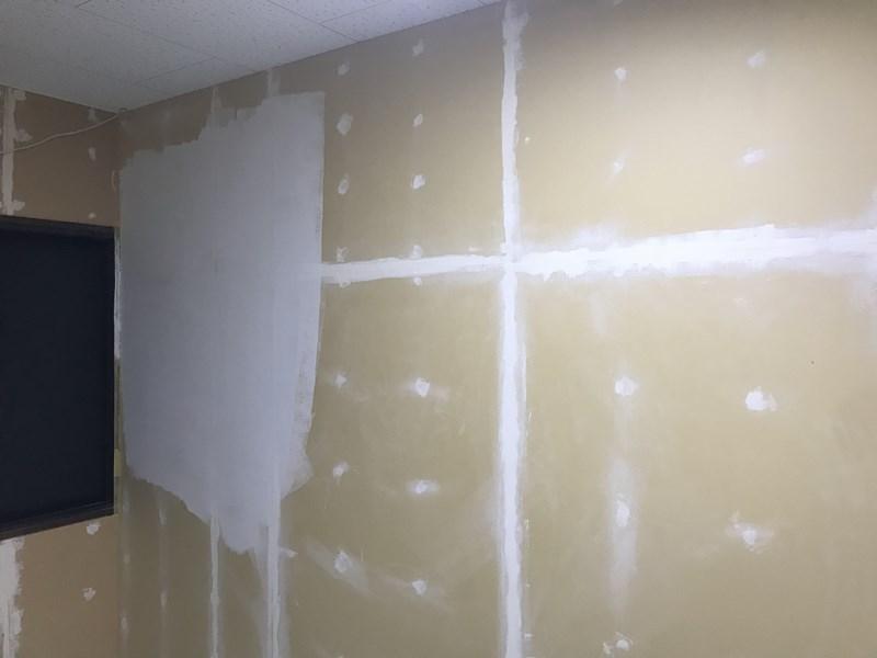 事務所DIY 壁塗り